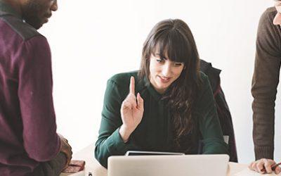 ¿Conocías estos mitos del emprendimiento? blog - Blog 50 1 400x250 - Blog de Producción Audiovisual y Marketing Digital